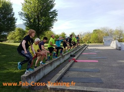 <a href='/uploaded/photo/15-avril-seance-de-crossfit-58fc56ab67d40.jpg' style='color : #fff;'>(Télécharger)</a>